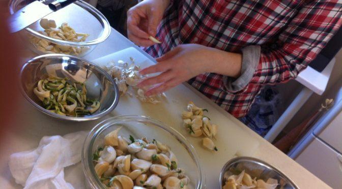 毎年恒例!ニンニクの醤油漬け・芽キャベツのオリーブオイル炒め